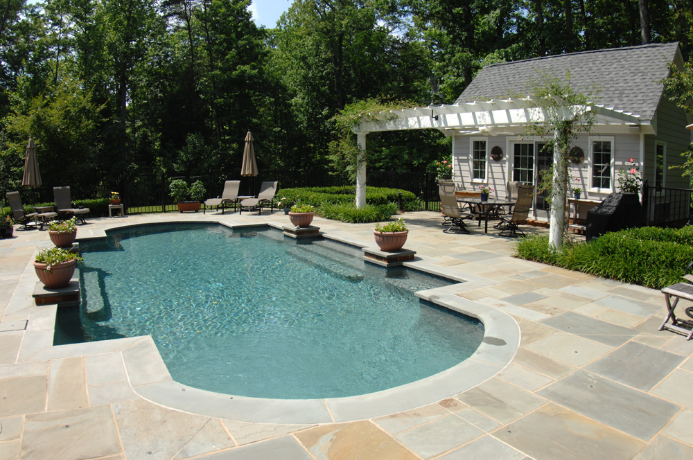 Pools spas virginia pool construction ultimate pools for Pool and spa contractors