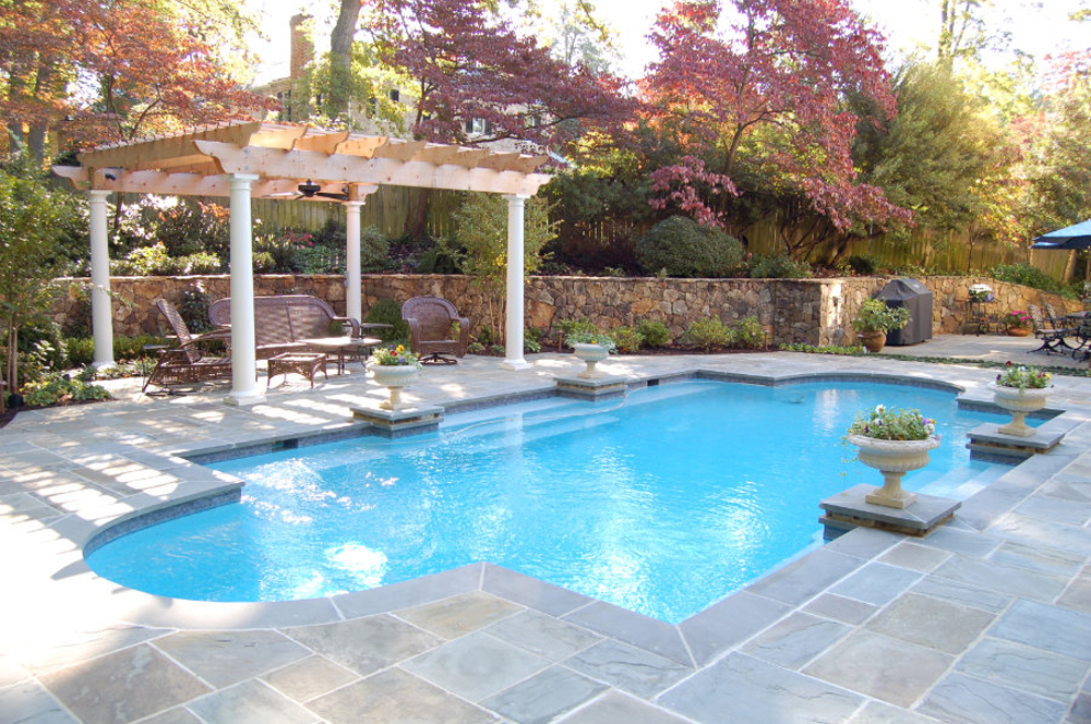 Pools spas virginia pool construction ultimate pools for Pool and spa builders